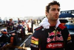Ricciardo-Silverstone-test-344x236