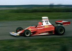 Niki_Lauda_Ferrari_312T_JPGP_S_75_2