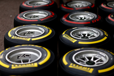 Soft-and-supersoft-tyres-lined-up