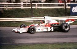 Emerson_Fittipaldi_McLaren_M23_1974_Britain