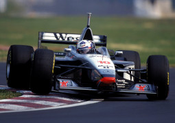 F1 Storia: GP Australia 1997, a sorpresa vince la McLaren!