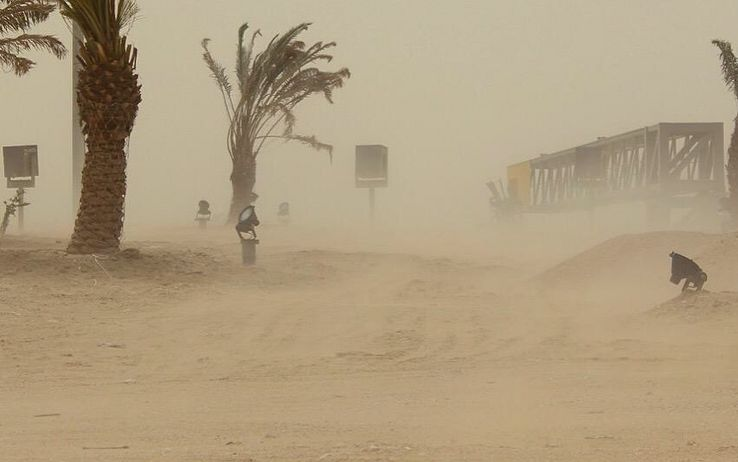 bahrain_deserto_tempesta_sabbia