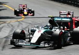 F1 A Montecarlo Rosberg fa il colpaccio, secondo Vettel