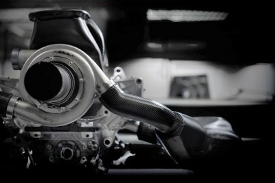 Renault-power-unit-2015-vista-posteriore