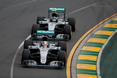 Mercedes_Rosberg_Hamilton_Australia_2016