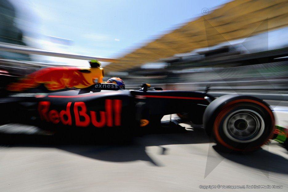F1 | Max Verstappen, la classe non è acqua