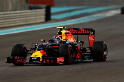 ABU DHABI, UNITED ARAB EMIRATES - NOVEMBER 27: Max Verstappen of the Netherlands driving the (33) Red Bull Racing Red Bull-TAG Heuer RB12 TAG Heuer on track during the Abu Dhabi Formula One Grand Prix at Yas Marina Circuit on November 27, 2016 in Abu Dhabi, United Arab Emirates. (Photo by Mark Thompson/Getty Images)