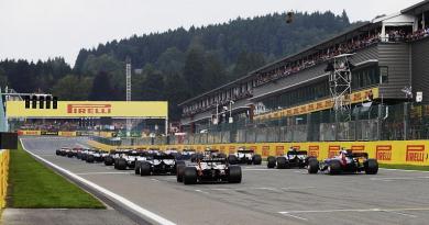 """Verso la F1 2018 con Sabbatini a Pit Talk: """"Ferrari farà progressi!"""""""