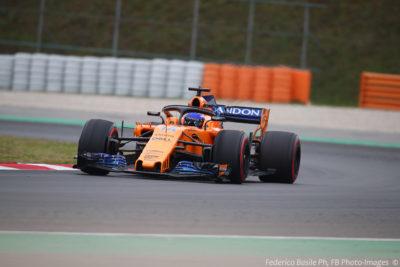 F1: sfreccia Ricciardo davanti alla Mercedes, poi Vettel