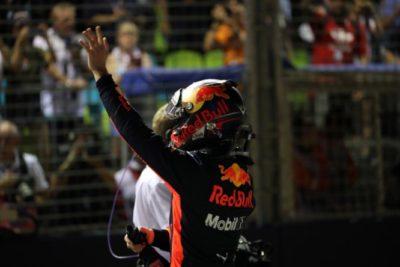 Formula 1, Singapore: Hamilton conquista la Pole. Vettel terzo