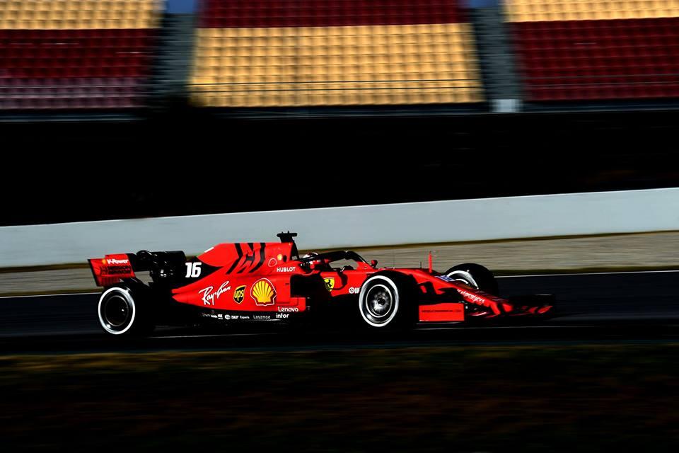 Formula 1, test Barcellona: Ferrari a muro, Mercedes a 176 giri