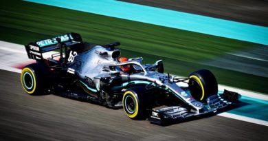 F1 | Test Abu Dhabi: Mercedes davanti, Ferrari chiude con il botto