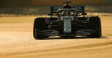 F1 | Test: lo strano movimento del volante della Mercedes W11